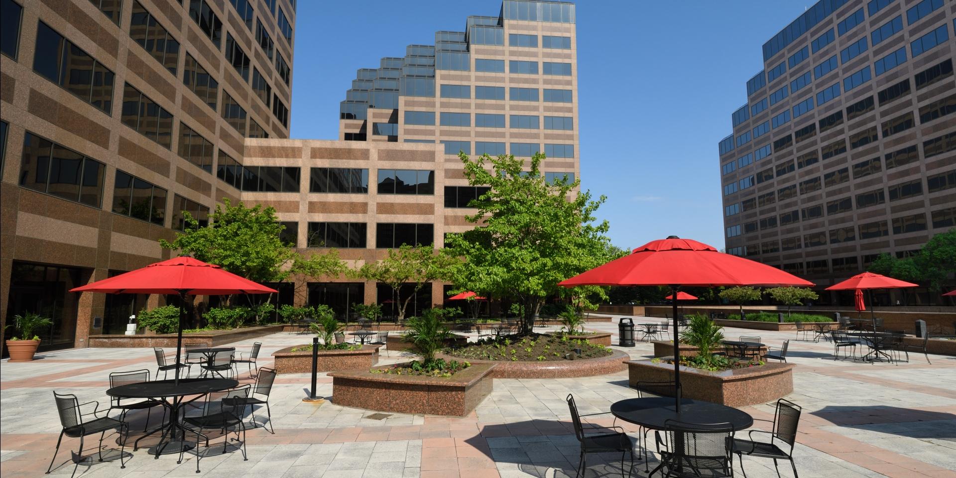 Riverway - Courtyard